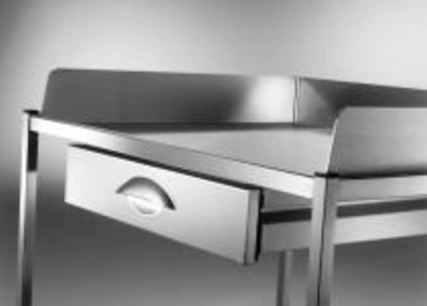 medisch meubilair overzettafels